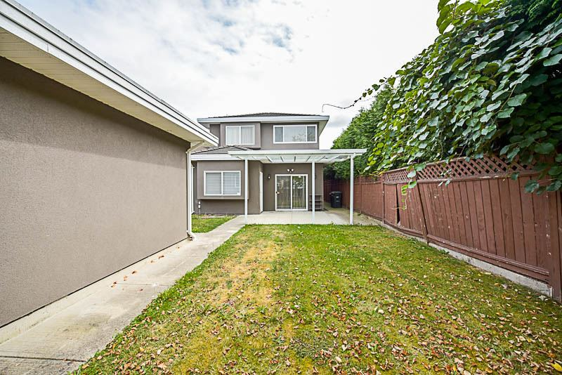 Half-duplex at 6619 RANDOLPH AVENUE, Burnaby South, British Columbia. Image 20