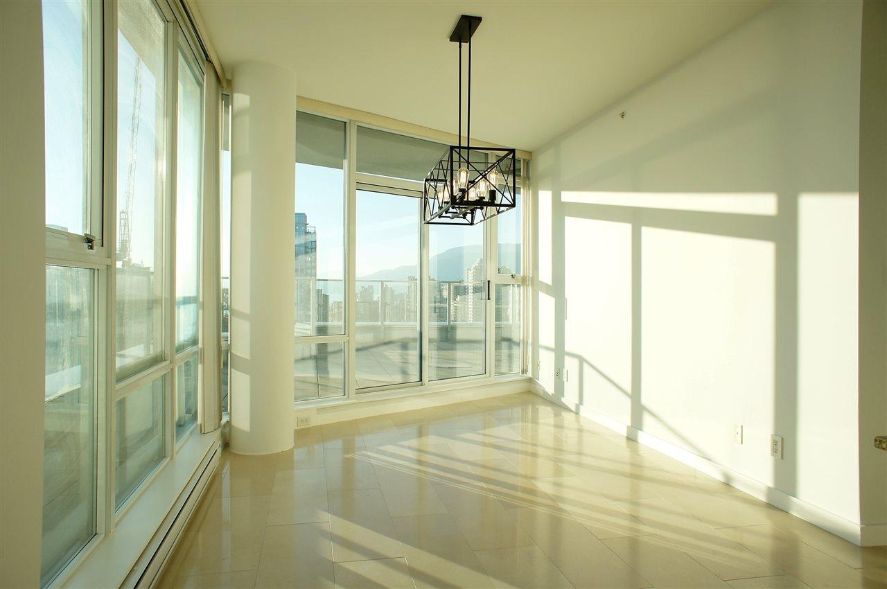 Condo Apartment at 2602 550 PACIFIC STREET, Unit 2602, Vancouver West, British Columbia. Image 2