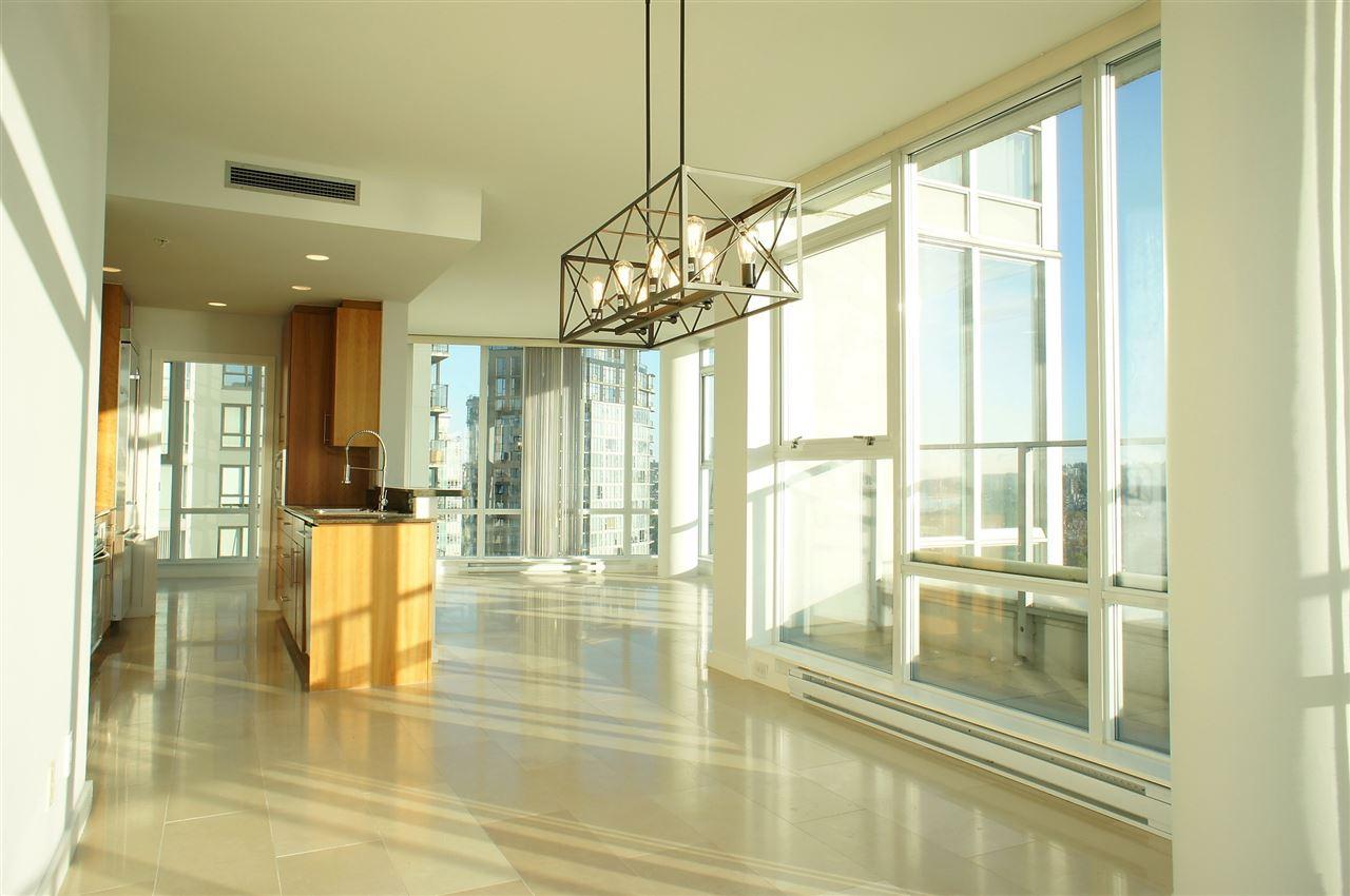Condo Apartment at 2602 550 PACIFIC STREET, Unit 2602, Vancouver West, British Columbia. Image 3