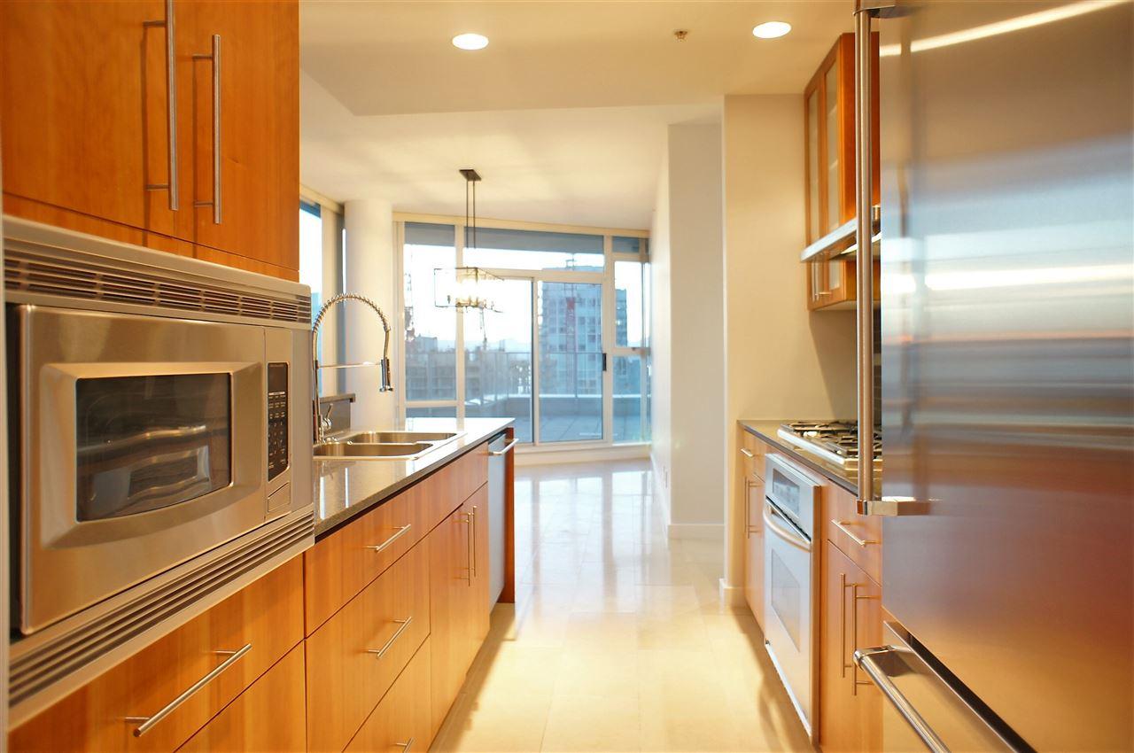 Condo Apartment at 2602 550 PACIFIC STREET, Unit 2602, Vancouver West, British Columbia. Image 5