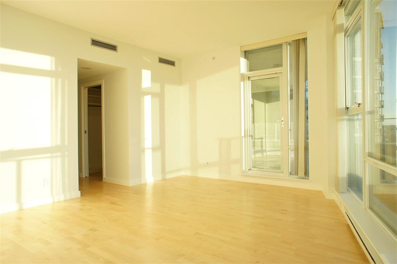 Condo Apartment at 2602 550 PACIFIC STREET, Unit 2602, Vancouver West, British Columbia. Image 7