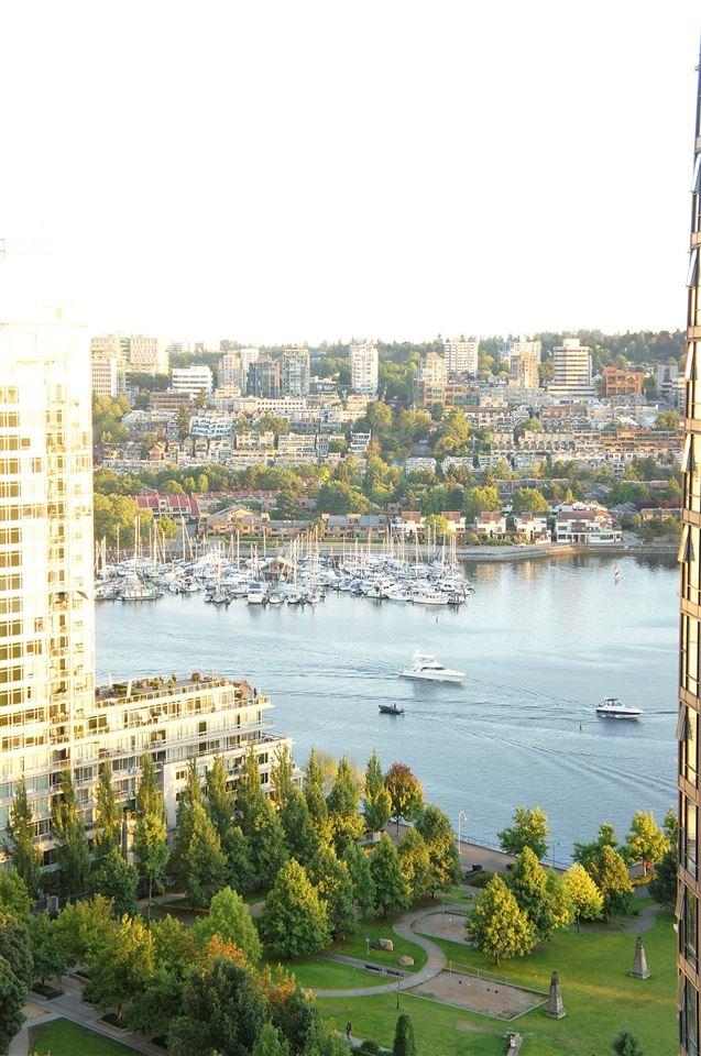 Condo Apartment at 2602 550 PACIFIC STREET, Unit 2602, Vancouver West, British Columbia. Image 15