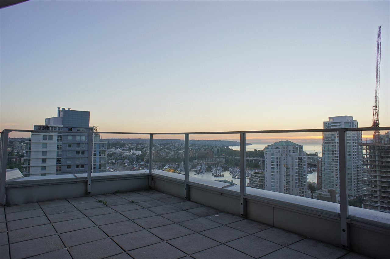 Condo Apartment at 2602 550 PACIFIC STREET, Unit 2602, Vancouver West, British Columbia. Image 17