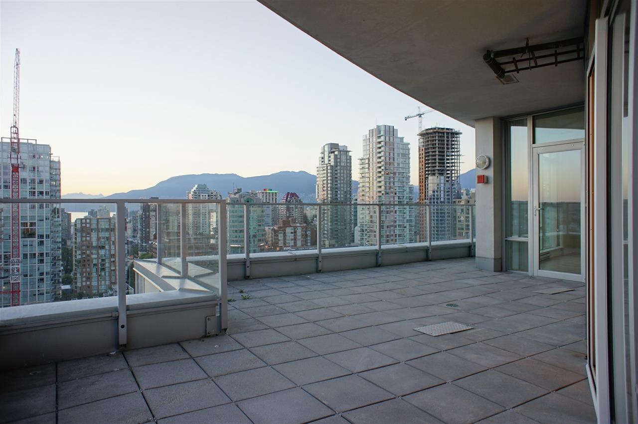 Condo Apartment at 2602 550 PACIFIC STREET, Unit 2602, Vancouver West, British Columbia. Image 19
