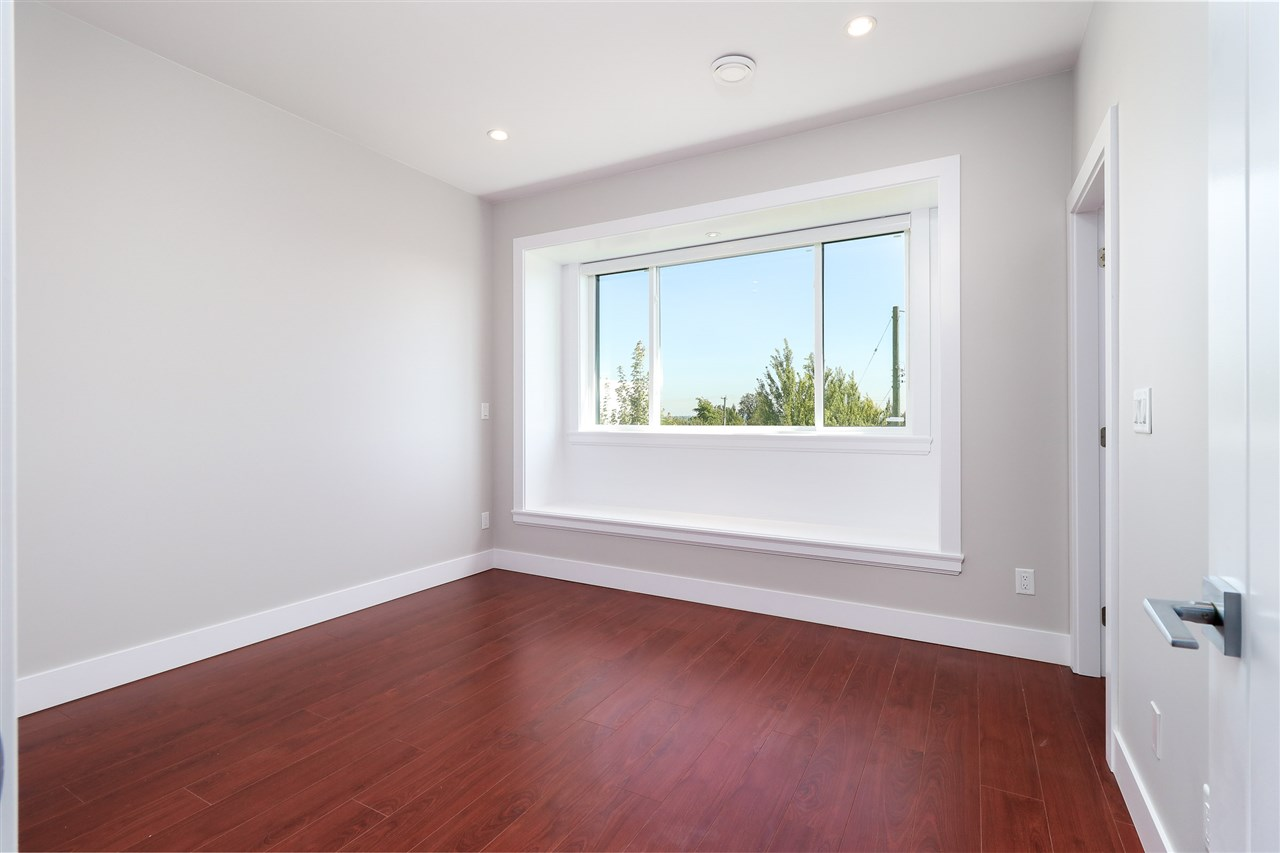 Detached at 8238 13TH AVENUE, Burnaby East, British Columbia. Image 15