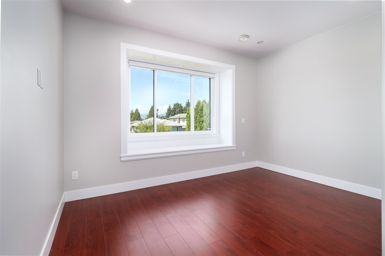 Detached at 8238 13TH AVENUE, Burnaby East, British Columbia. Image 16