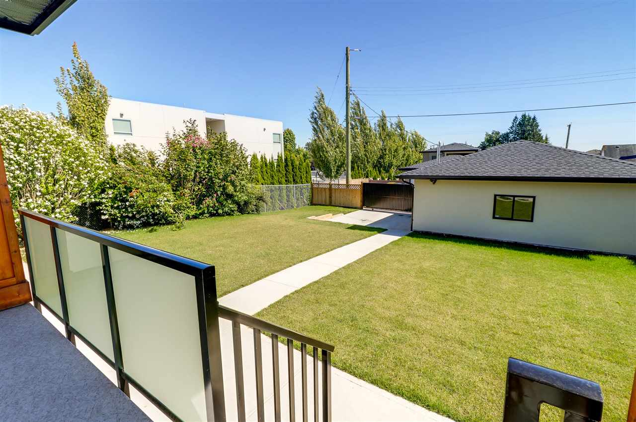 Detached at 8238 13TH AVENUE, Burnaby East, British Columbia. Image 20