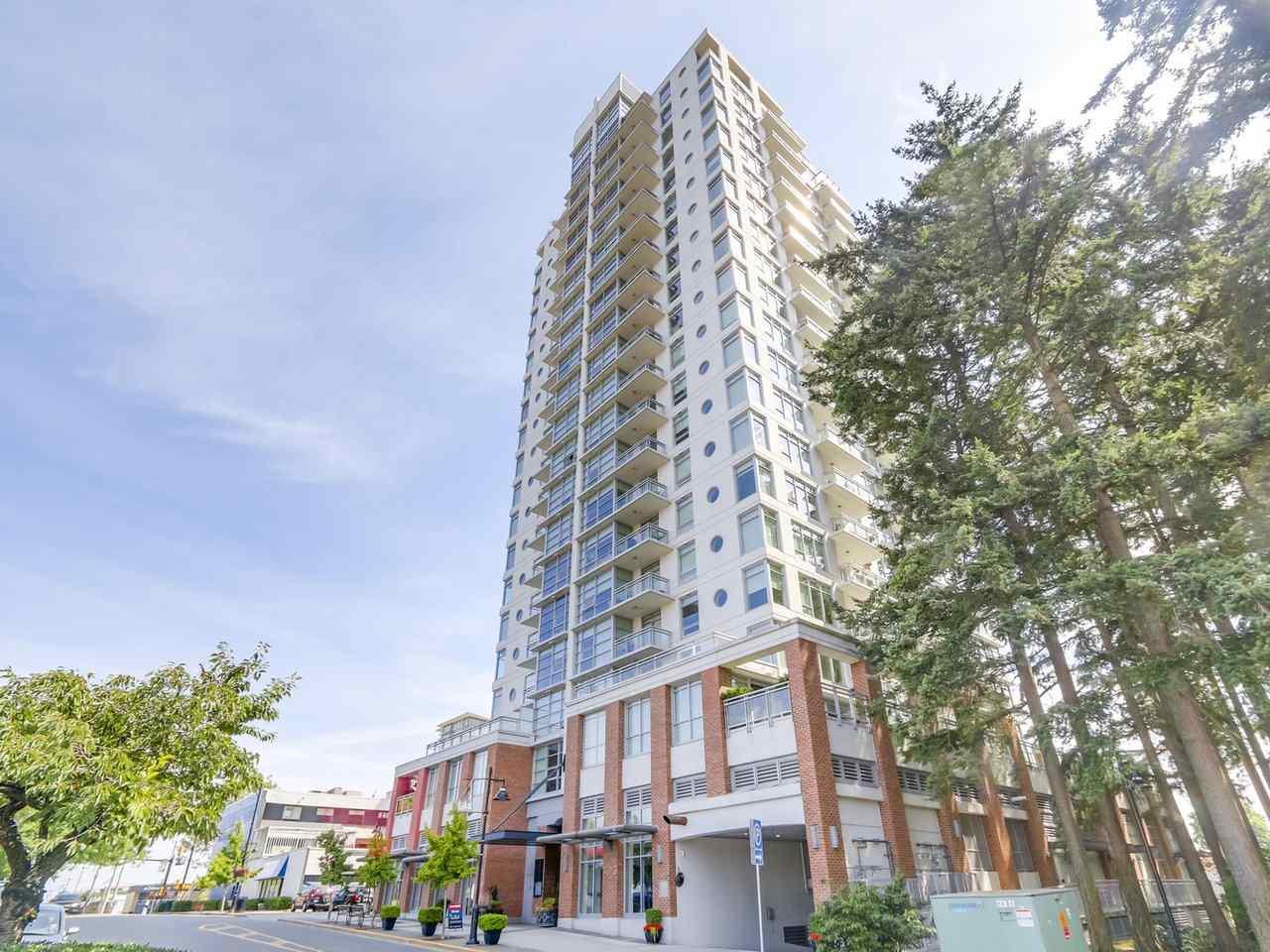 Condo Apartment at 802 15152 RUSSELL AVENUE, Unit 802, South Surrey White Rock, British Columbia. Image 1