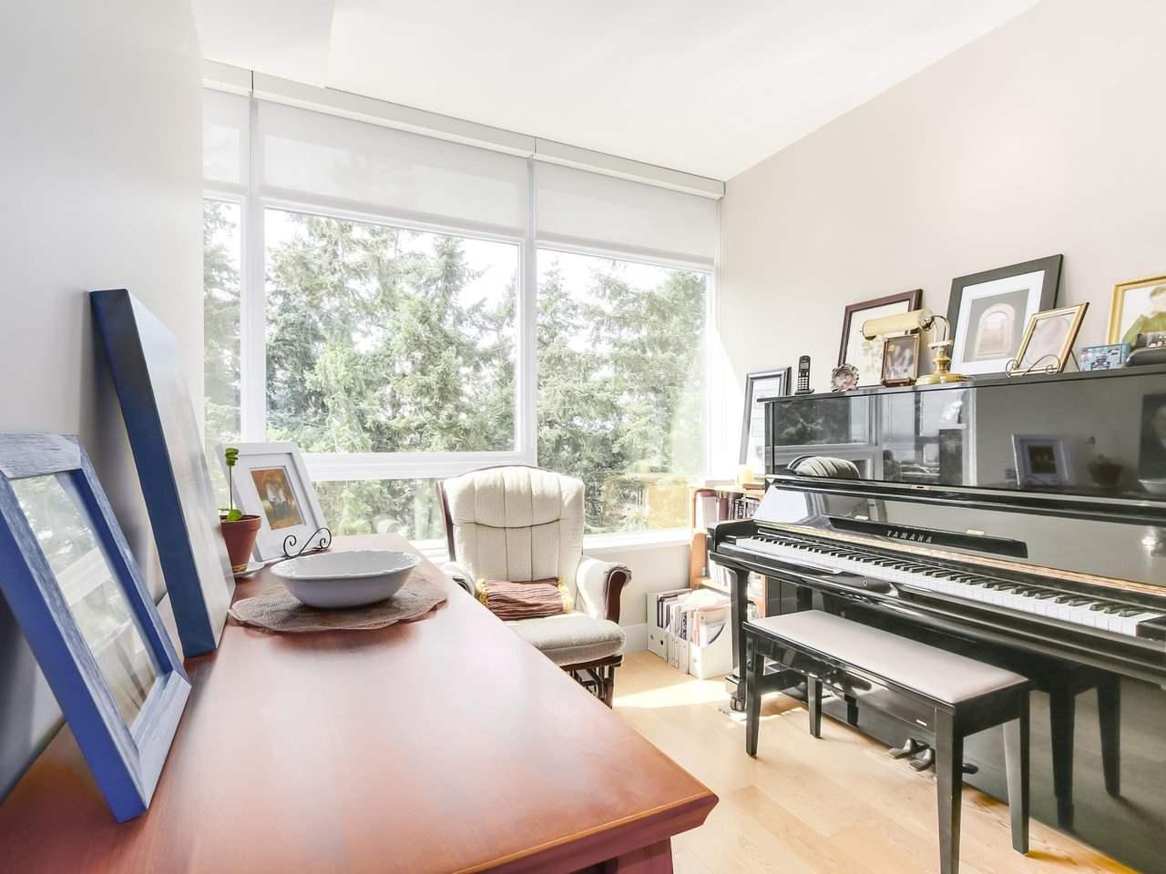 Condo Apartment at 802 15152 RUSSELL AVENUE, Unit 802, South Surrey White Rock, British Columbia. Image 11