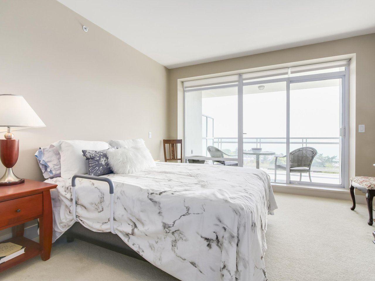 Condo Apartment at 802 15152 RUSSELL AVENUE, Unit 802, South Surrey White Rock, British Columbia. Image 12