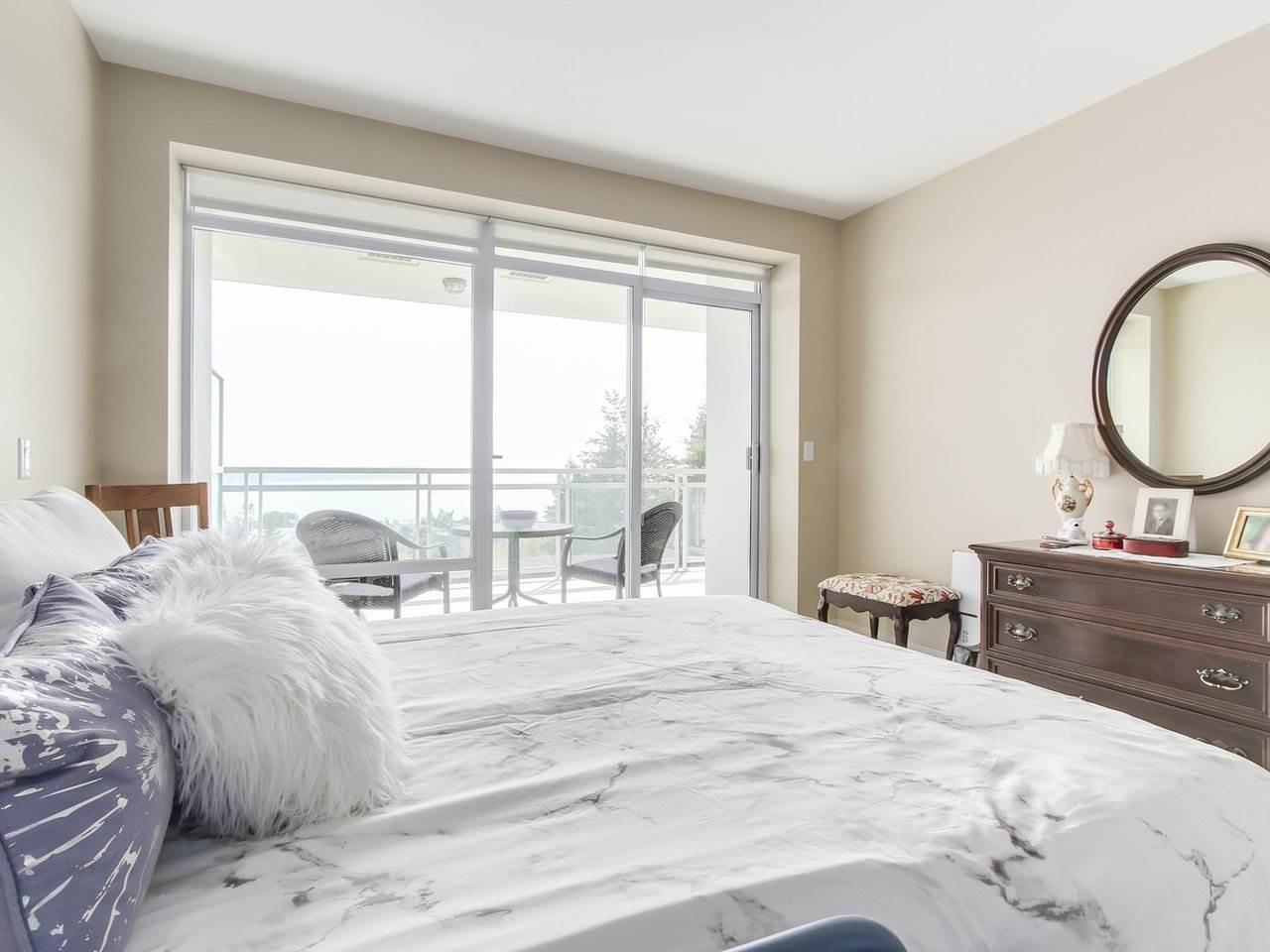 Condo Apartment at 802 15152 RUSSELL AVENUE, Unit 802, South Surrey White Rock, British Columbia. Image 13