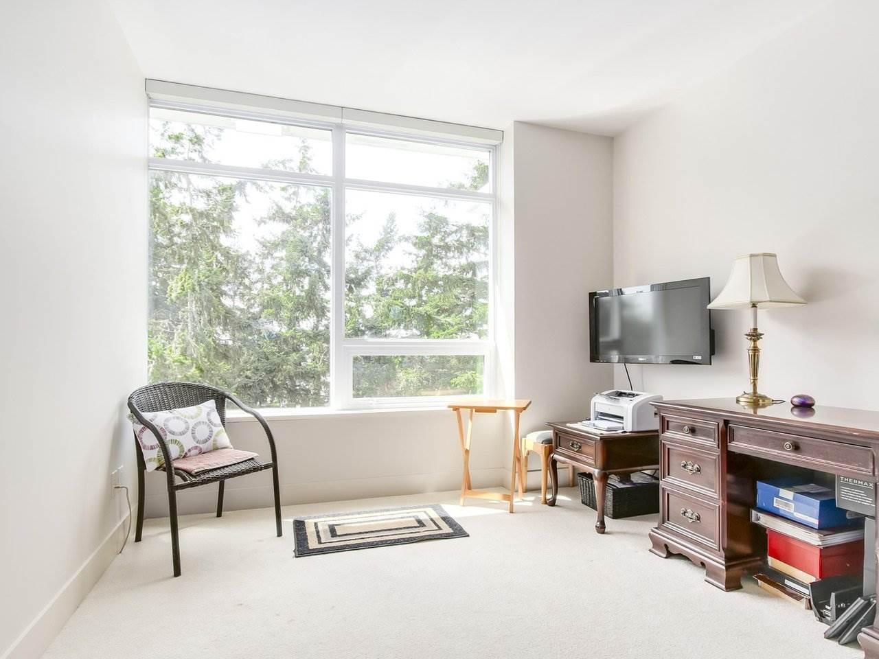 Condo Apartment at 802 15152 RUSSELL AVENUE, Unit 802, South Surrey White Rock, British Columbia. Image 15