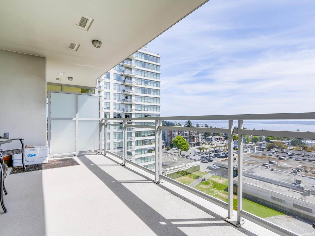 Condo Apartment at 802 15152 RUSSELL AVENUE, Unit 802, South Surrey White Rock, British Columbia. Image 17