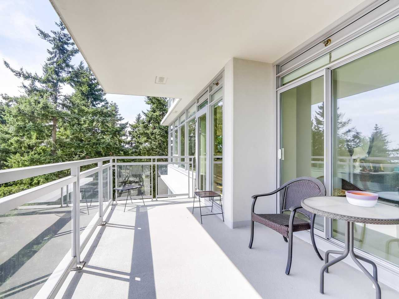 Condo Apartment at 802 15152 RUSSELL AVENUE, Unit 802, South Surrey White Rock, British Columbia. Image 18