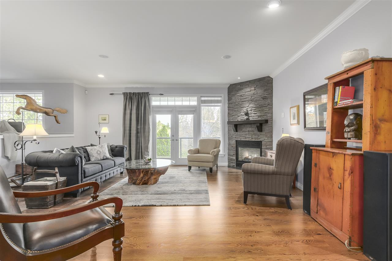 Detached at 25760 82 AVENUE, Langley, British Columbia. Image 6