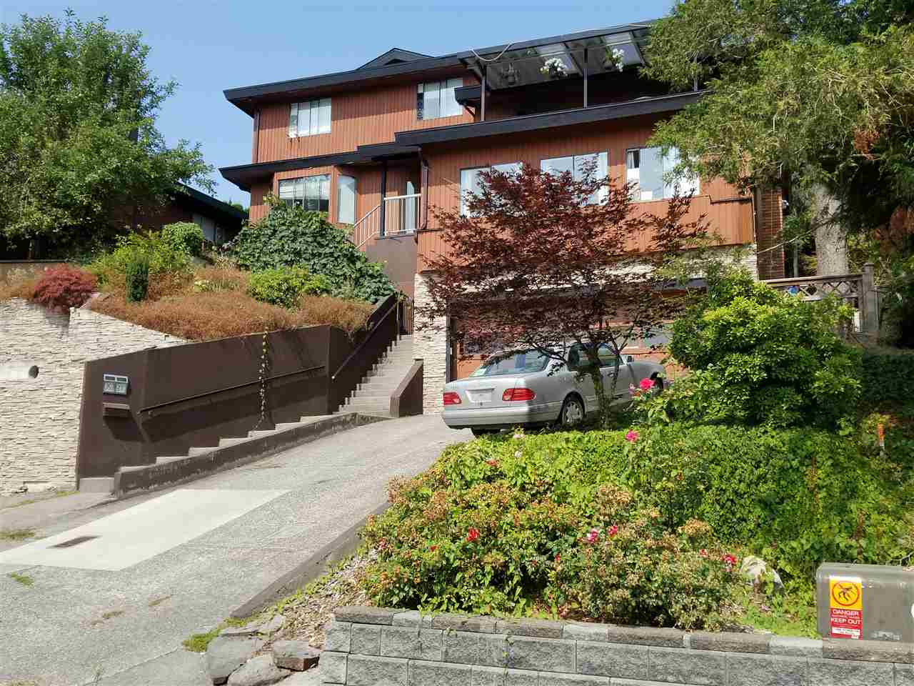 Detached at 35337 ROCKWELL DRIVE, Abbotsford, British Columbia. Image 1