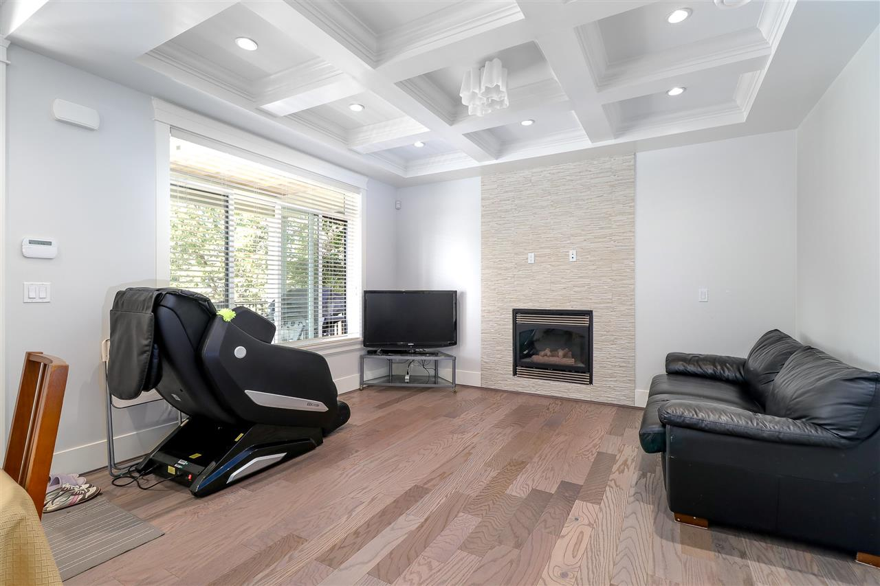 Detached at 6655 ELWELL STREET, Burnaby South, British Columbia. Image 4