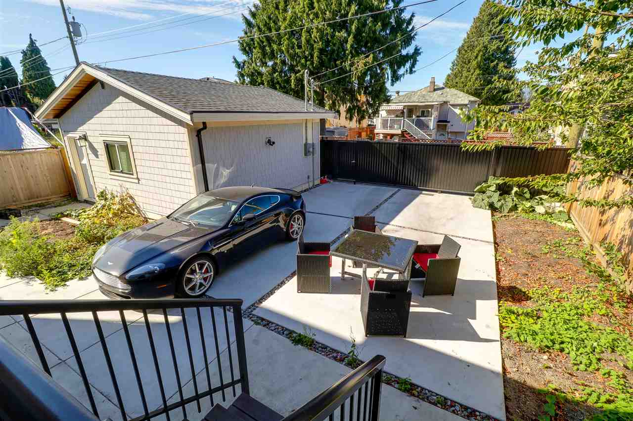 Detached at 6655 ELWELL STREET, Burnaby South, British Columbia. Image 20