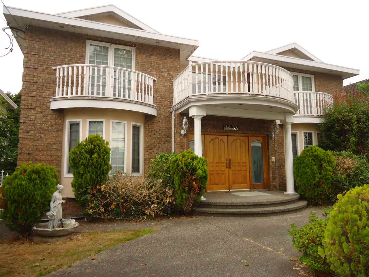 Detached at 7433 GOVERNMENT ROAD, Burnaby North, British Columbia. Image 1