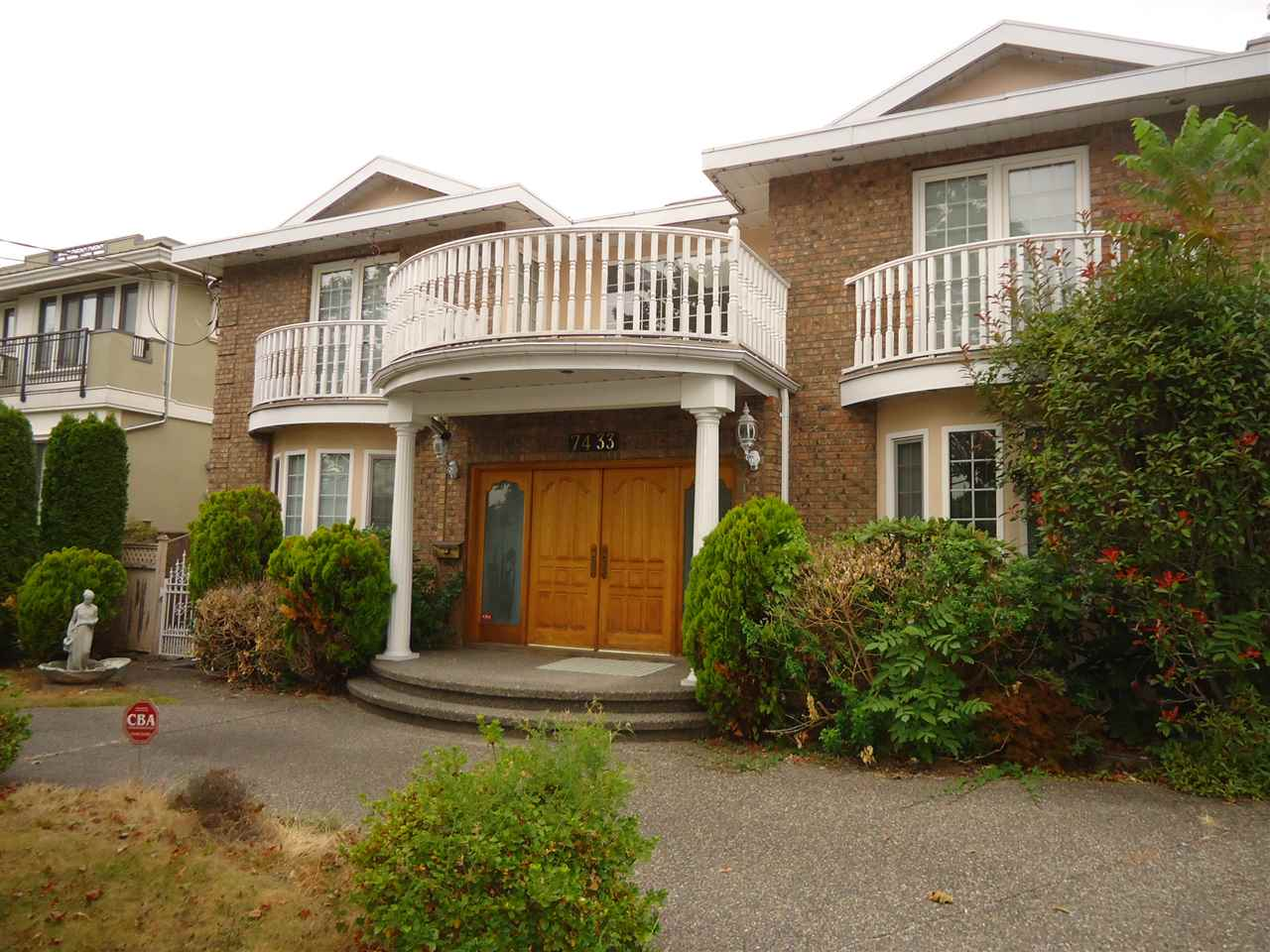 Detached at 7433 GOVERNMENT ROAD, Burnaby North, British Columbia. Image 5