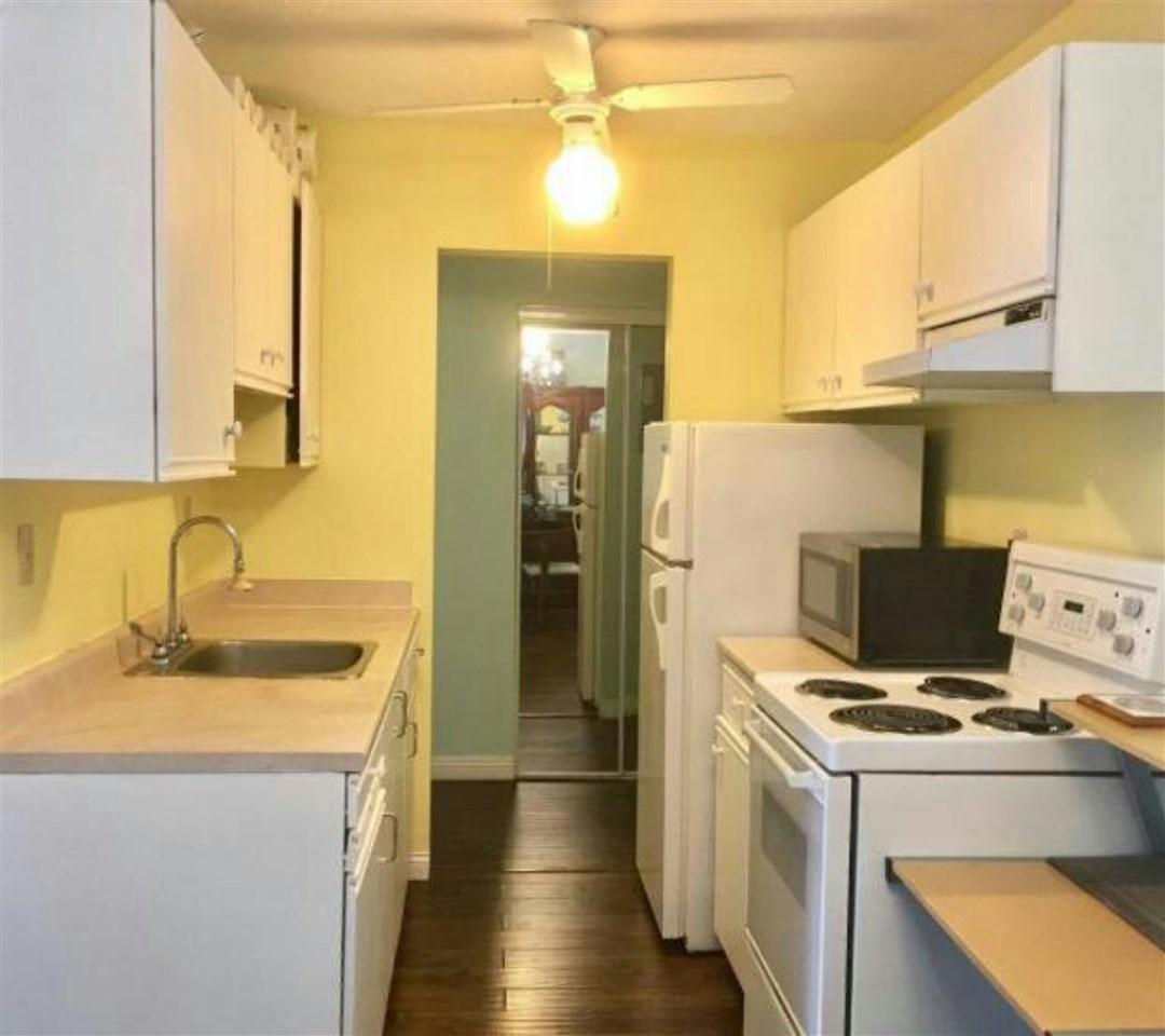 Condo Apartment at 202 145 W 18TH STREET, Unit 202, North Vancouver, British Columbia. Image 5