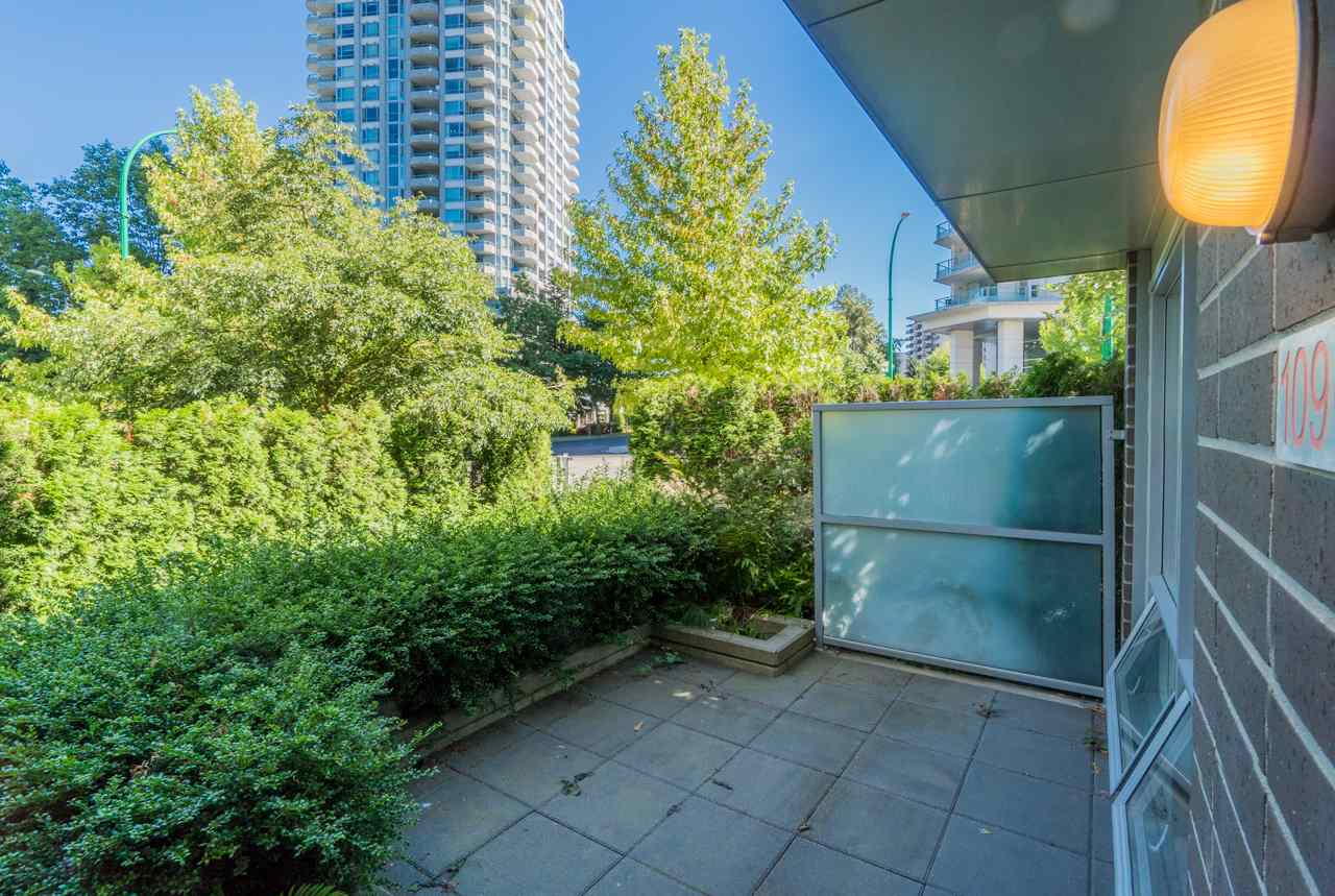 Townhouse at 109 4798 HAZEL STREET, Unit 109, Burnaby South, British Columbia. Image 3