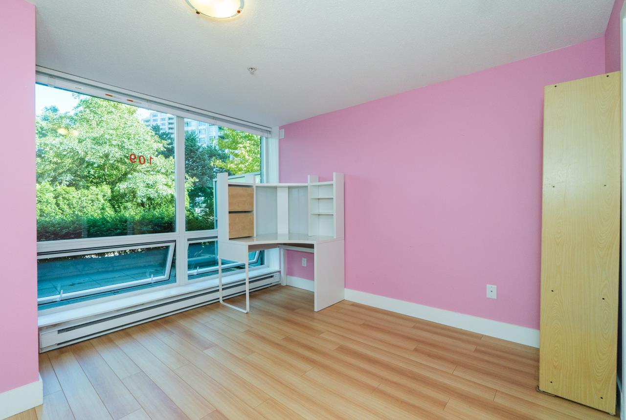 Townhouse at 109 4798 HAZEL STREET, Unit 109, Burnaby South, British Columbia. Image 17