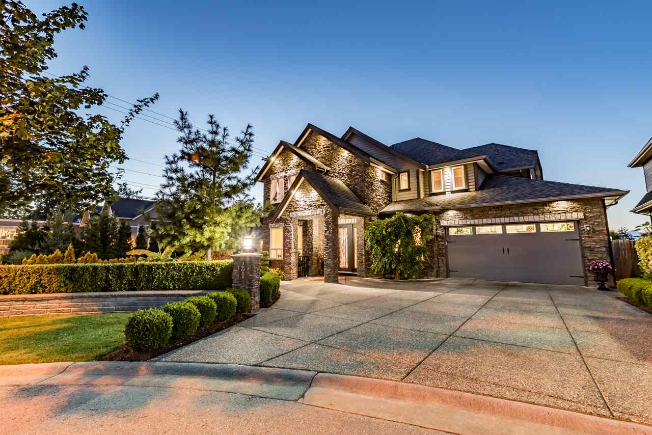 Detached at 16011 27A AVENUE, South Surrey White Rock, British Columbia. Image 1
