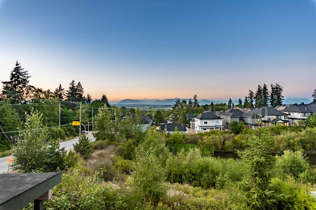 Detached at 16011 27A AVENUE, South Surrey White Rock, British Columbia. Image 2