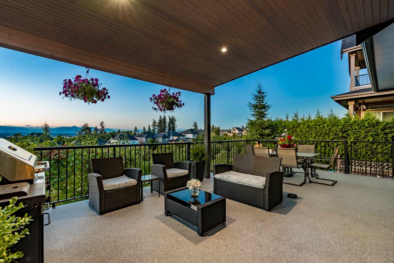 Detached at 16011 27A AVENUE, South Surrey White Rock, British Columbia. Image 4