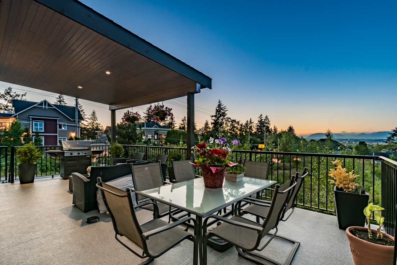 Detached at 16011 27A AVENUE, South Surrey White Rock, British Columbia. Image 5