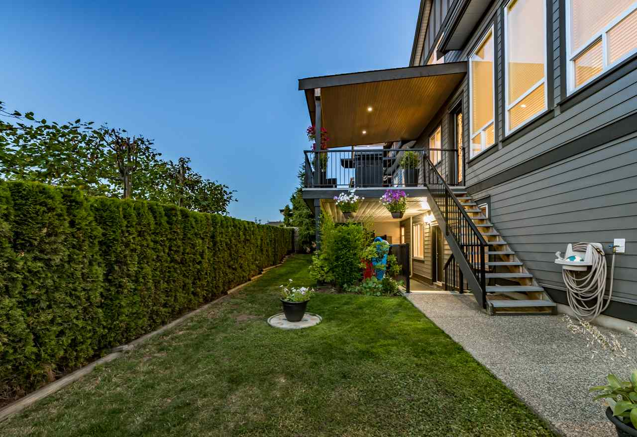 Detached at 16011 27A AVENUE, South Surrey White Rock, British Columbia. Image 6