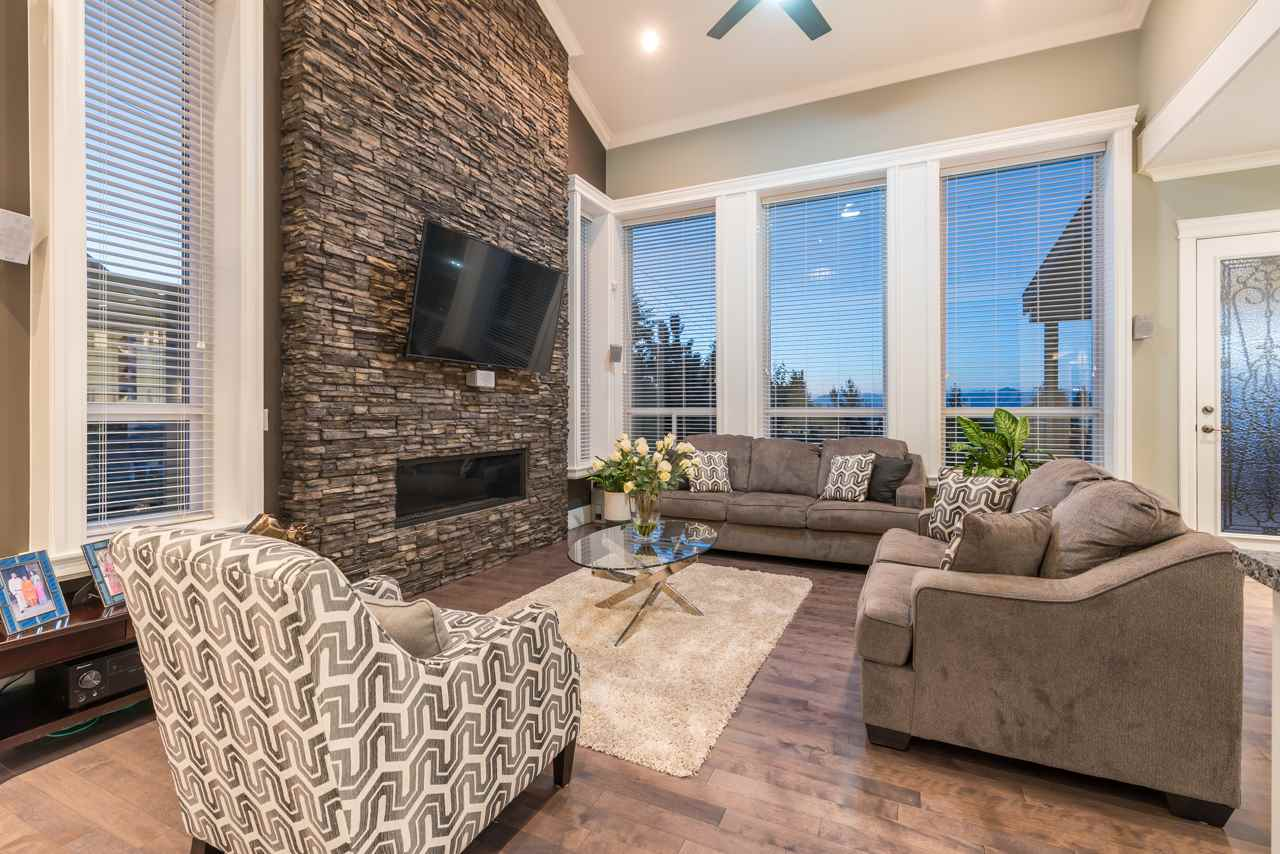 Detached at 16011 27A AVENUE, South Surrey White Rock, British Columbia. Image 11