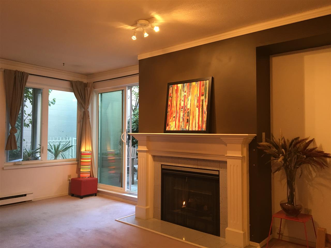 Condo Apartment at 102 725 W 7TH AVENUE, Unit 102, Vancouver West, British Columbia. Image 5