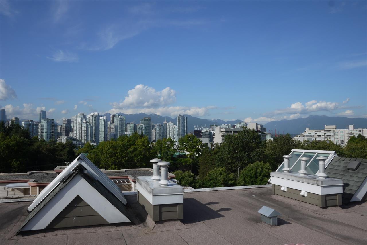 Condo Apartment at 102 725 W 7TH AVENUE, Unit 102, Vancouver West, British Columbia. Image 10
