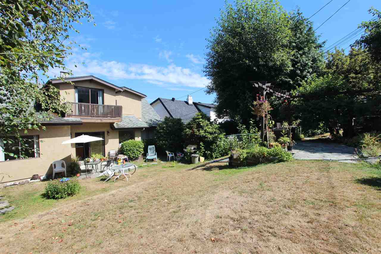 Detached at 3311 QUESNEL DRIVE, Vancouver West, British Columbia. Image 11