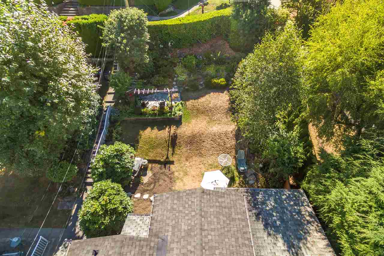 Detached at 3311 QUESNEL DRIVE, Vancouver West, British Columbia. Image 13