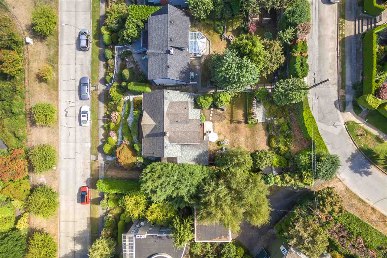 Detached at 3311 QUESNEL DRIVE, Vancouver West, British Columbia. Image 14
