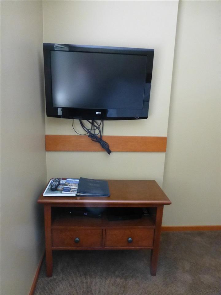 Condo Apartment at 202 4315 NORTHLANDS BOULEVARD, Unit 202, Whistler, British Columbia. Image 4