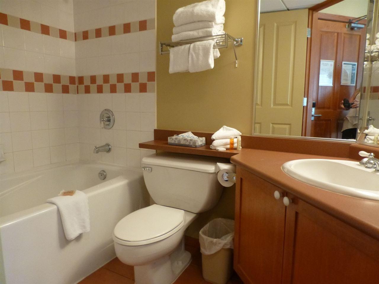 Condo Apartment at 202 4315 NORTHLANDS BOULEVARD, Unit 202, Whistler, British Columbia. Image 6