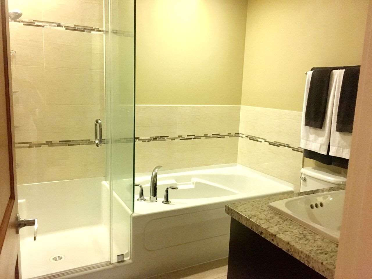 Condo Apartment at 261 8258 207A STREET, Unit 261, Langley, British Columbia. Image 13