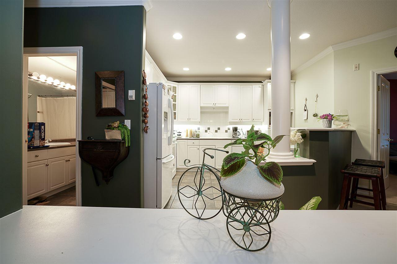 Condo Apartment at 214 3280 PLATEAU BOULEVARD, Unit 214, Coquitlam, British Columbia. Image 10