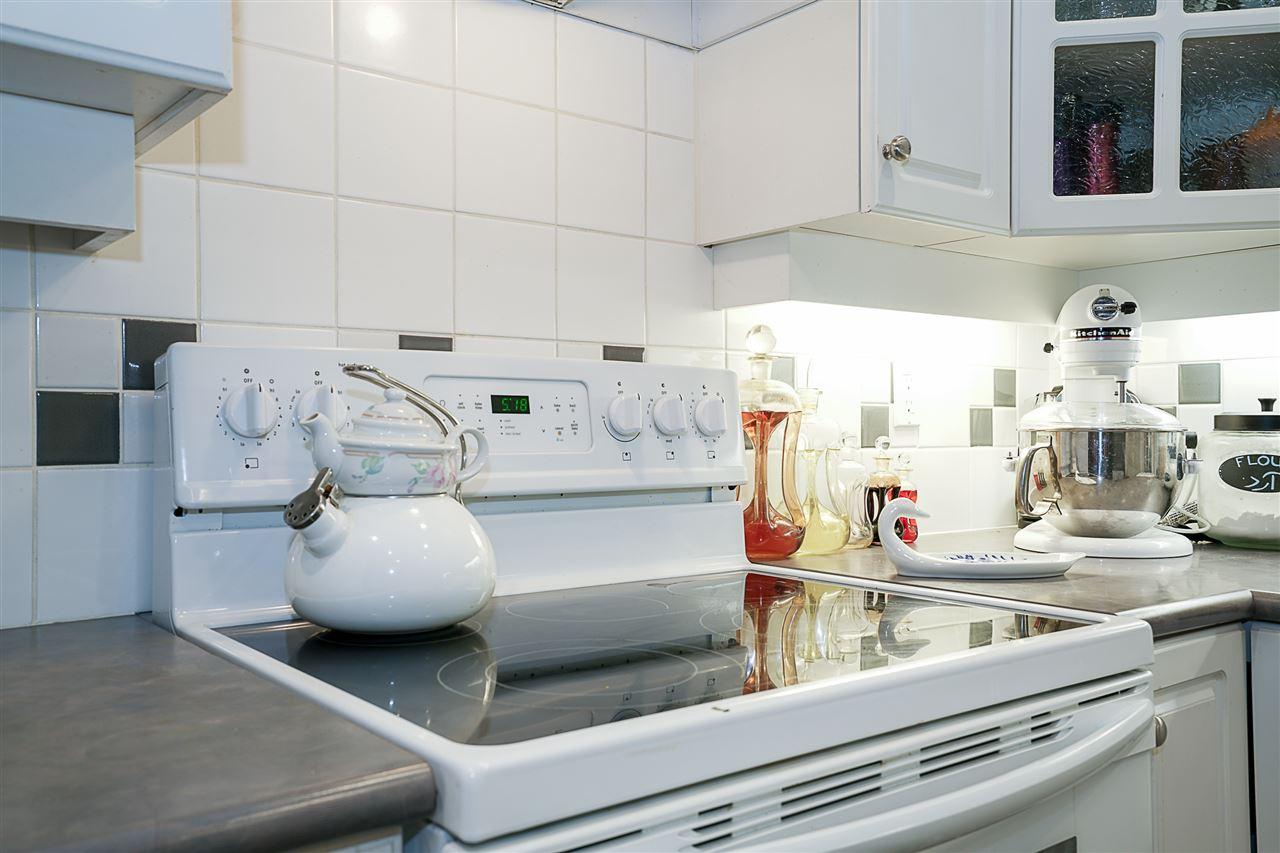 Condo Apartment at 214 3280 PLATEAU BOULEVARD, Unit 214, Coquitlam, British Columbia. Image 11