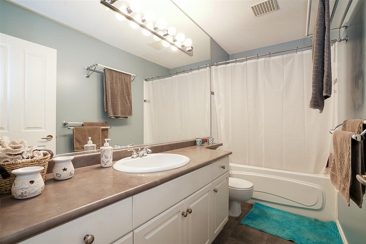 Condo Apartment at 214 3280 PLATEAU BOULEVARD, Unit 214, Coquitlam, British Columbia. Image 17