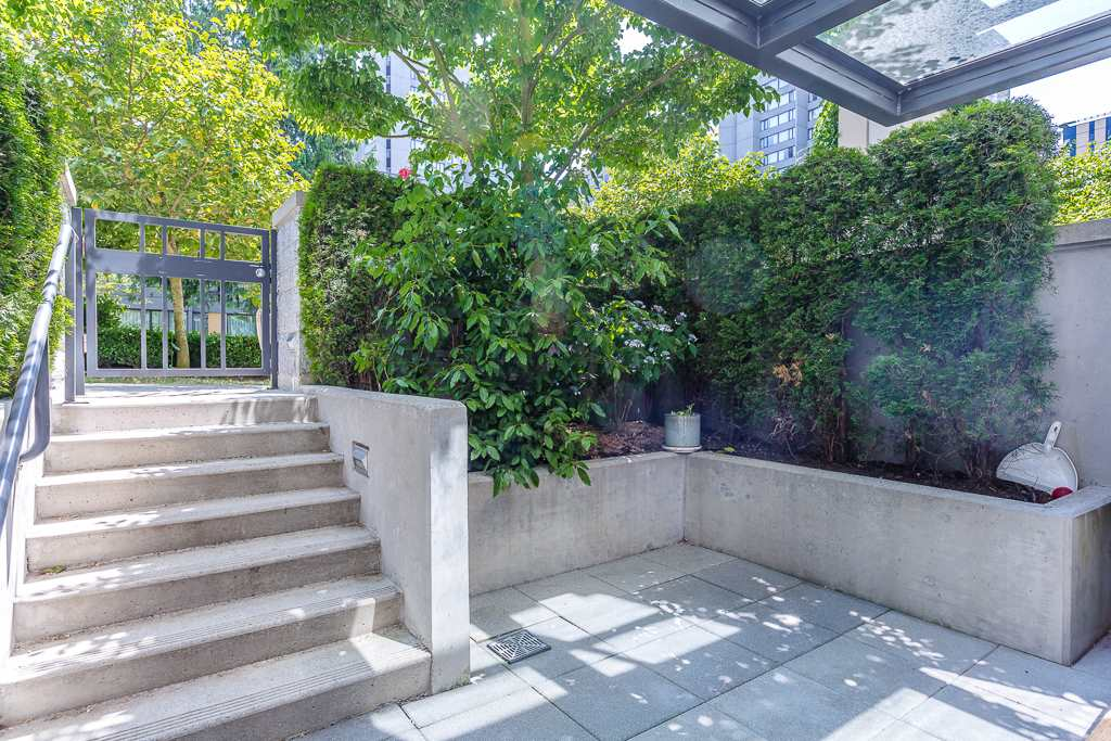 Townhouse at 5987 WALTER GAGE ROAD, Vancouver West, British Columbia. Image 2