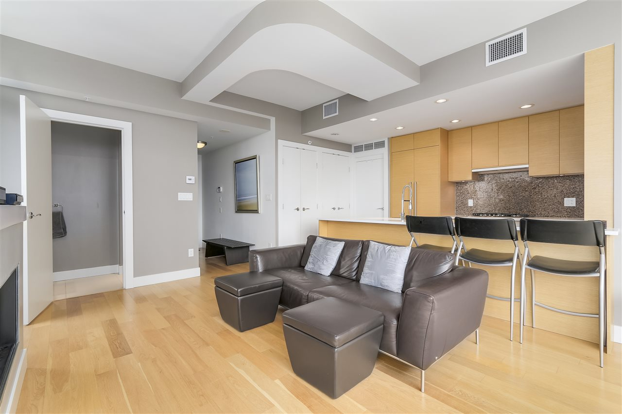 Condo Apartment at 2801 565 SMITHE STREET, Unit 2801, Vancouver West, British Columbia. Image 4