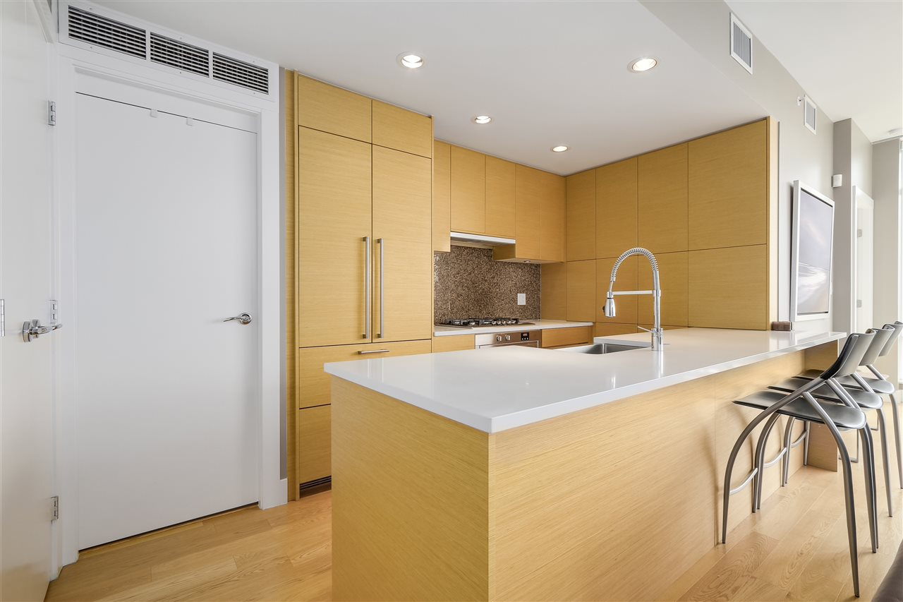 Condo Apartment at 2801 565 SMITHE STREET, Unit 2801, Vancouver West, British Columbia. Image 5