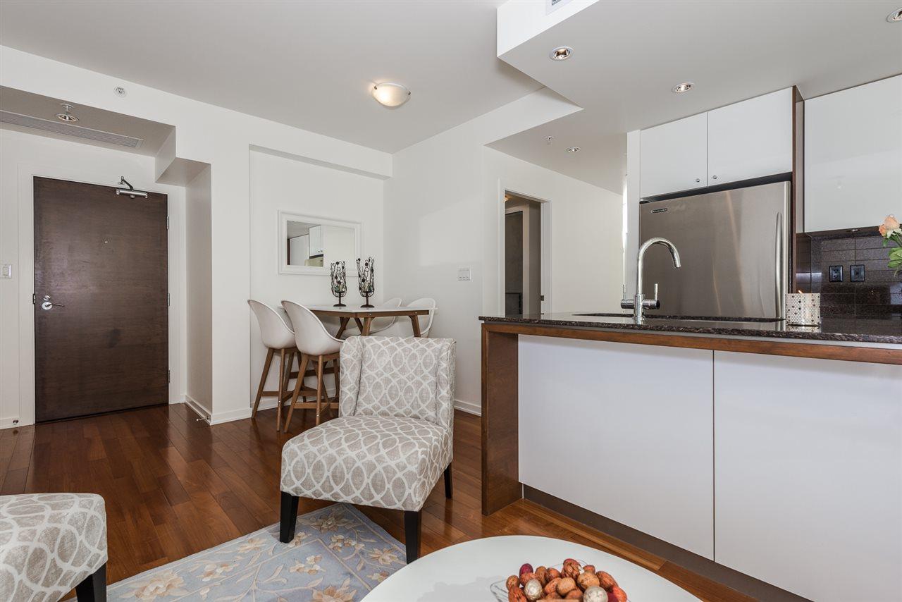 Condo Apartment at 701 1005 BEACH AVENUE, Unit 701, Vancouver West, British Columbia. Image 3