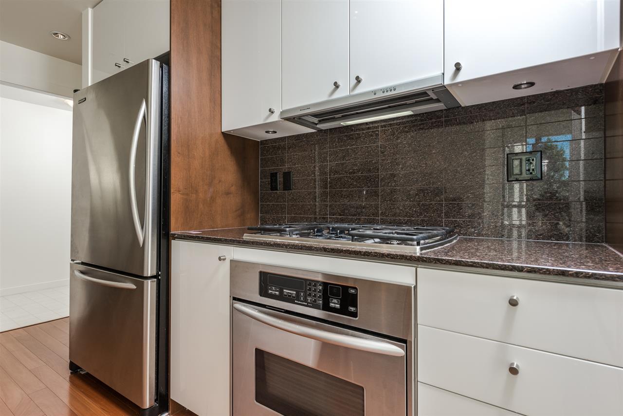 Condo Apartment at 701 1005 BEACH AVENUE, Unit 701, Vancouver West, British Columbia. Image 6