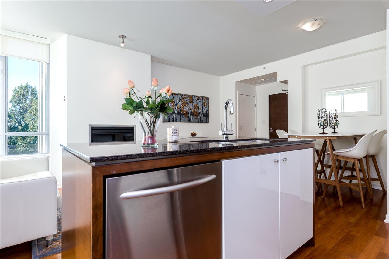 Condo Apartment at 701 1005 BEACH AVENUE, Unit 701, Vancouver West, British Columbia. Image 7